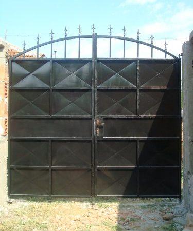 metalni vrati 22