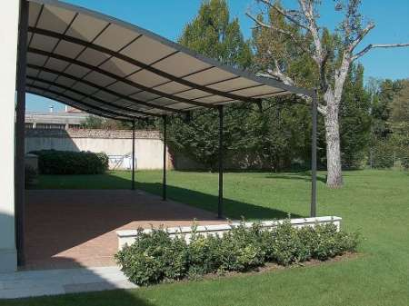 plastic-and-metal-pergola-124178